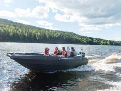 How to choose the right boat for your family